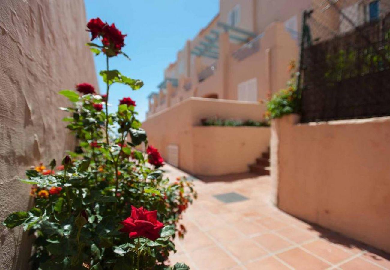 Apartment in Tarifa - Apartment with swimmingpool to20 mbeach