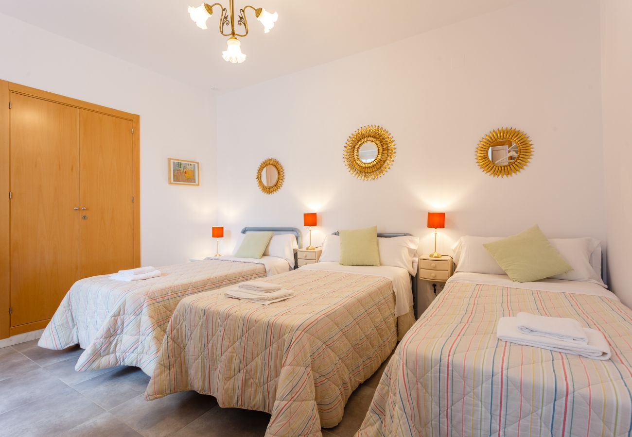 Apartment in Cádiz - Apartment with air-conditioned to1 kmbeach