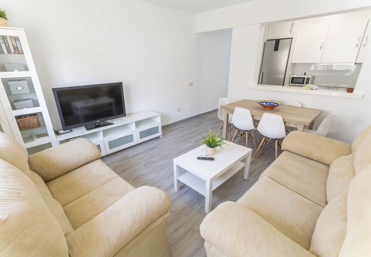 House in Nerja - House of 3 bedrooms to800 mbeach