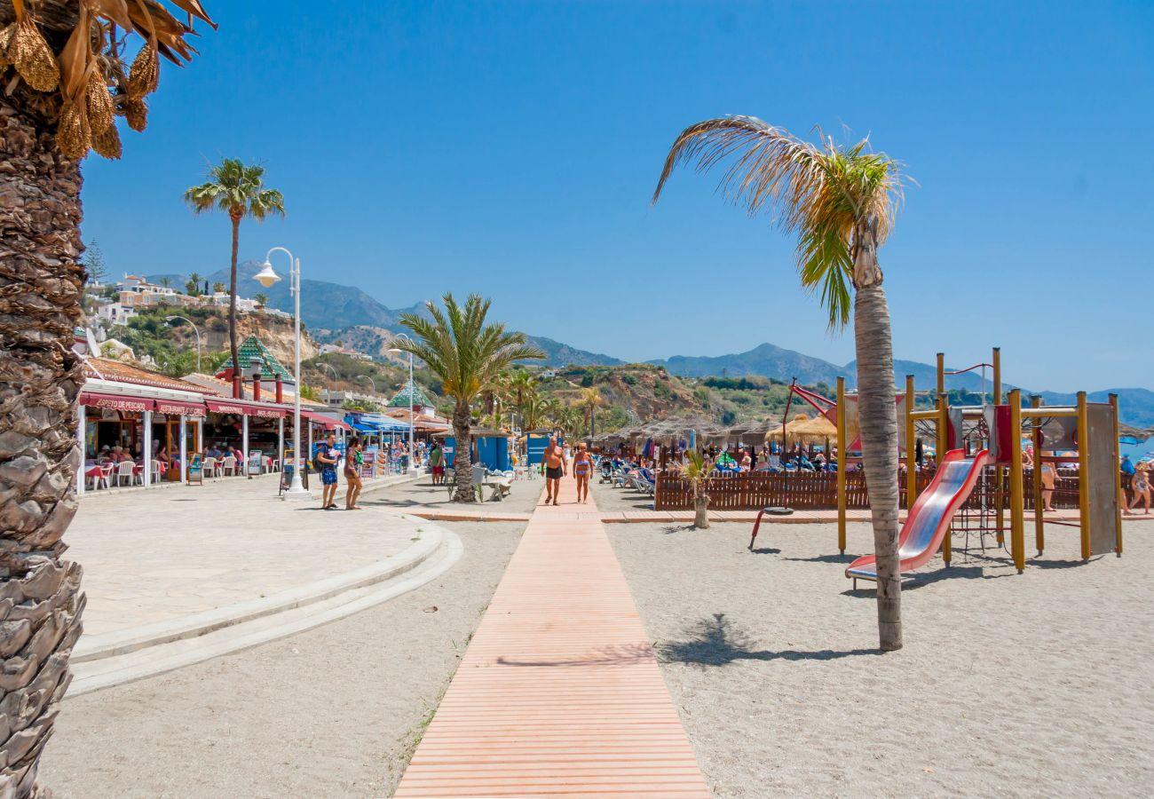 Apartment in Nerja - Apartment with air-conditioned to50 mbeach
