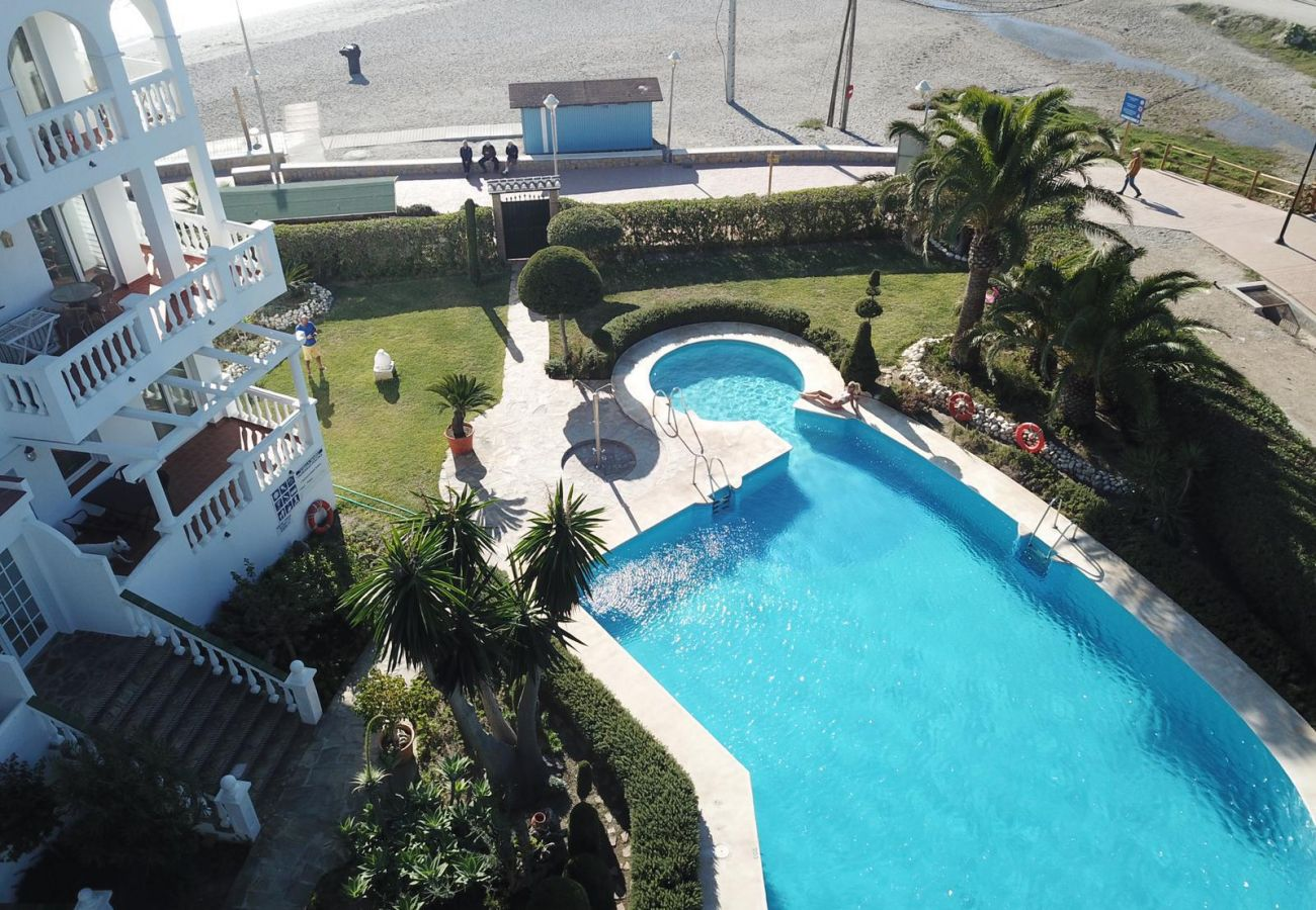 Residence in Nerja - Residence with swimming pool to 50 m beach