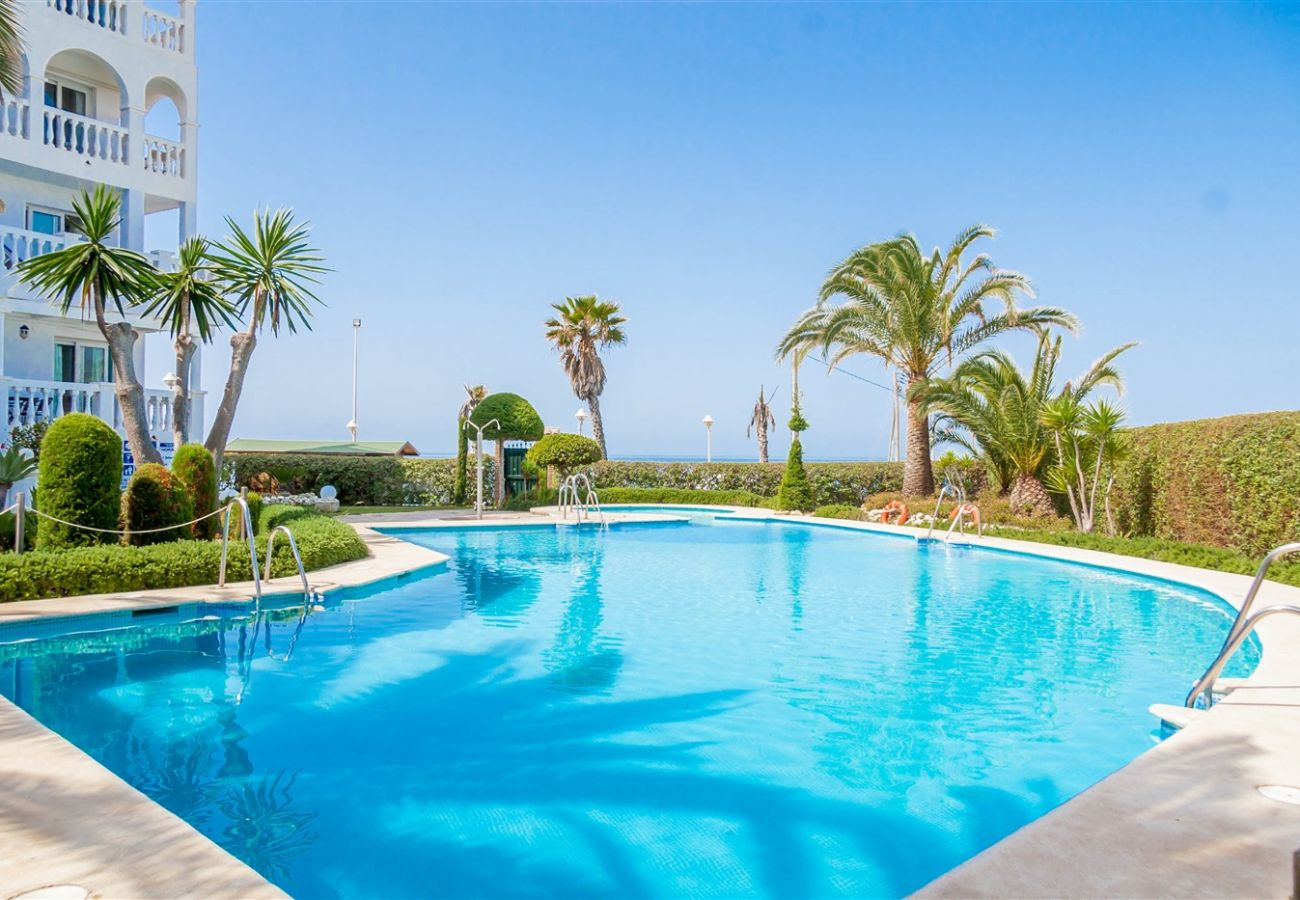 Residence in Nerja - Residence with swimming pool to50 mbeach