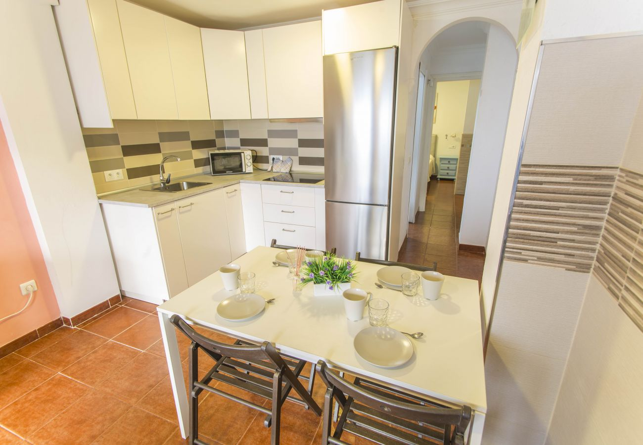 Apartment in Nerja - Apartment for 3 people to50 mbeach
