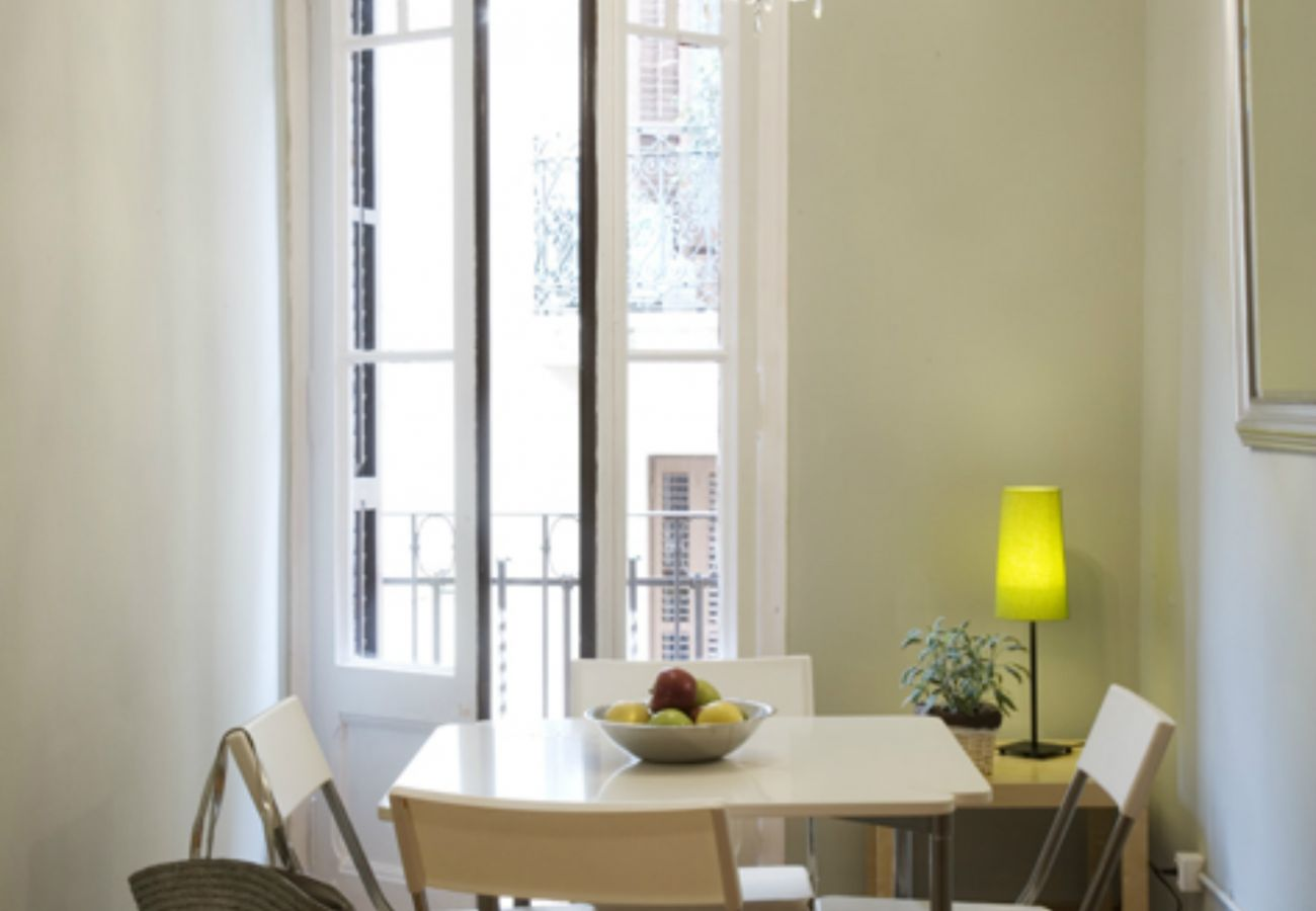 Apartment in Barcelona - Cute, quiet and lightly apartment with balcony for rent in Barcelona center, Gracia