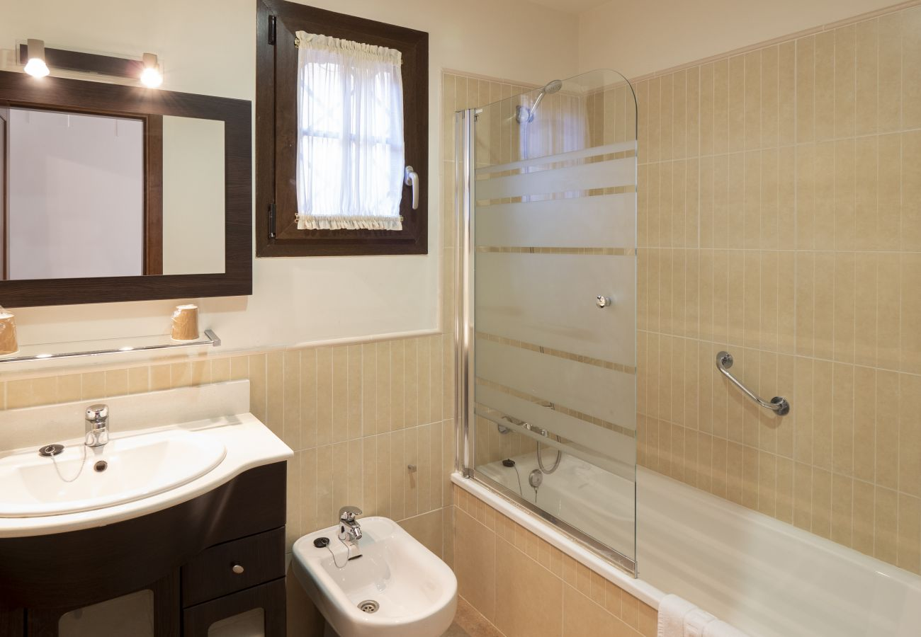 Apartment in Isla Canela - Apartment with swimming pool to100 mbeach