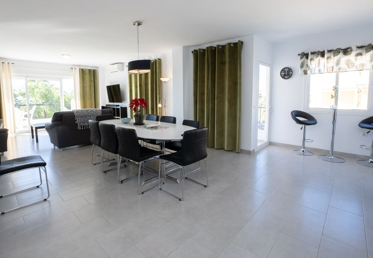 Apartment in Nerja - Apartment of 4 bedrooms to 100 m beach
