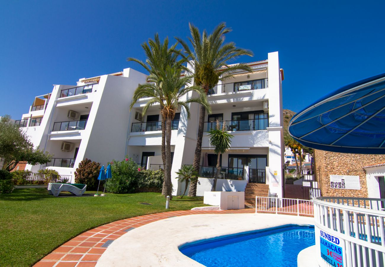 Apartment in Nerja - Apartment with swimming pool to 2 km beach