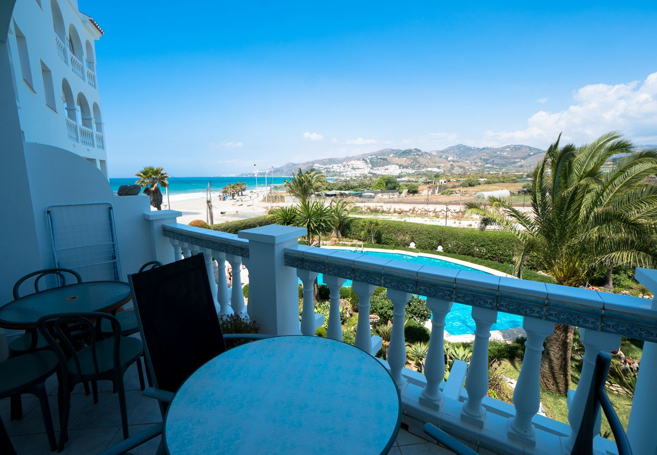 Apartment in Nerja - Apartment of 2 bedrooms to5 mbeach