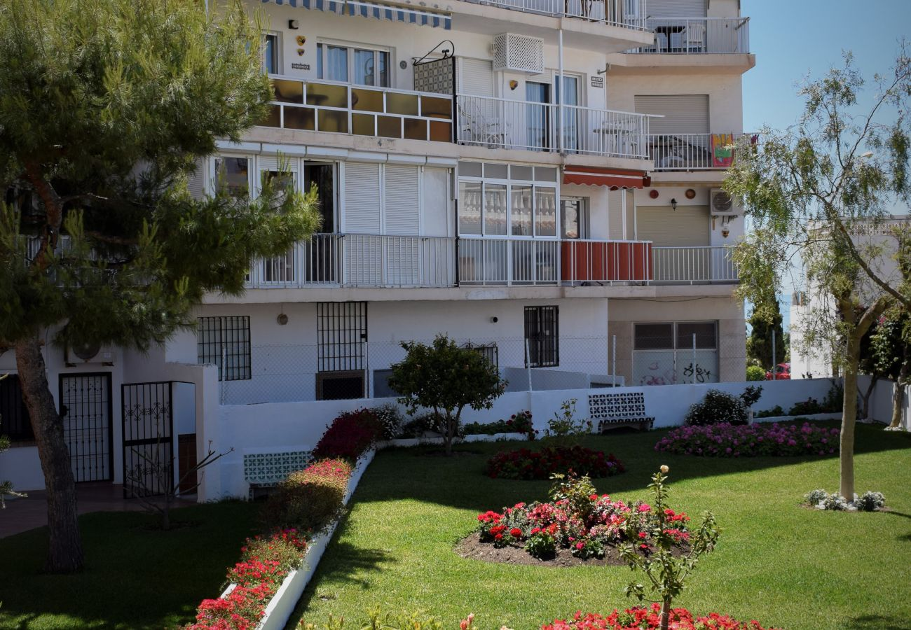 Apartment in Nerja - Apartment with swimming pool to 50 m beach