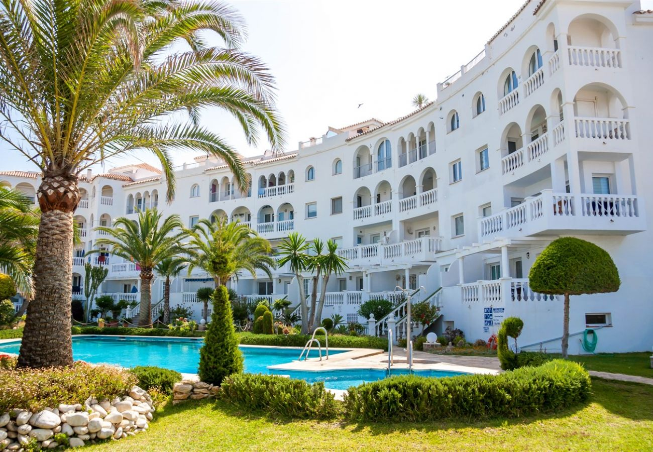 Apartment in Nerja - Apartment with swimming pool to 100 m beach