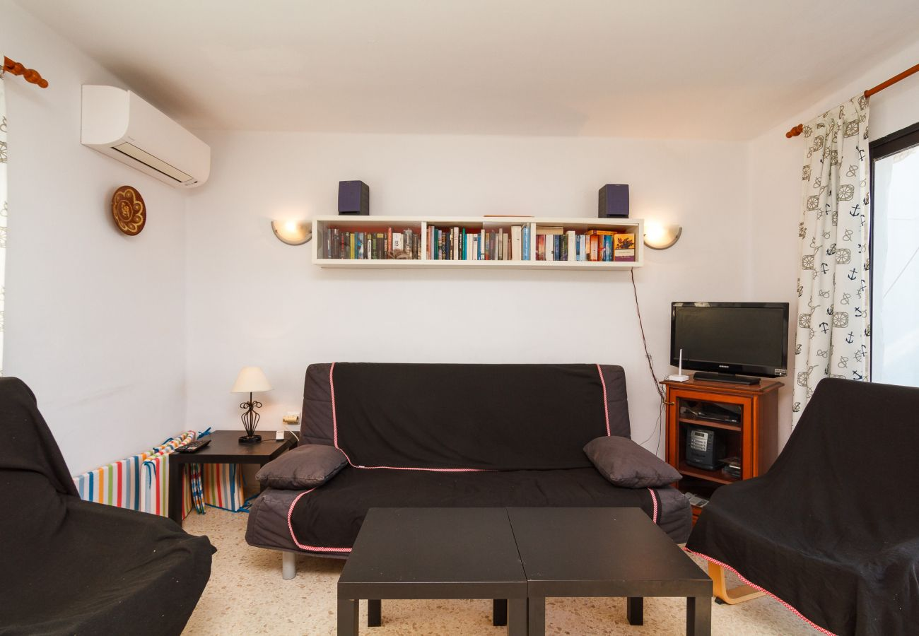 Apartment in Nerja - Apartment for 6 people to200 mbeach