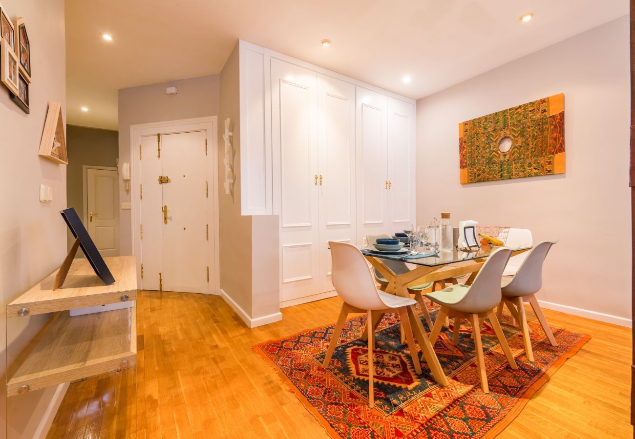 Apartment in Madrid - Madrid Downtown Nuevos Ministerios M (MPA14)