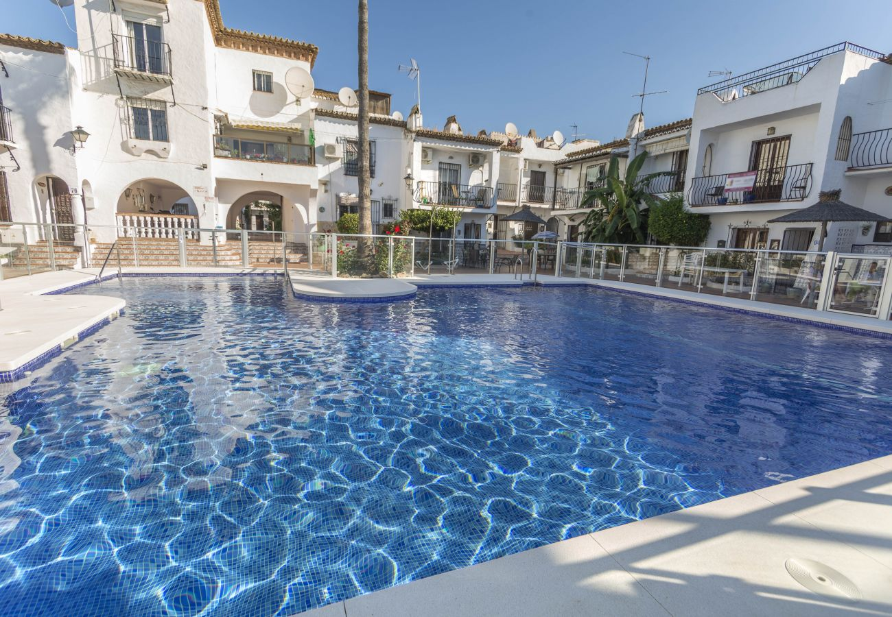 House in Nerja - House with swimming pool to500 mbeach