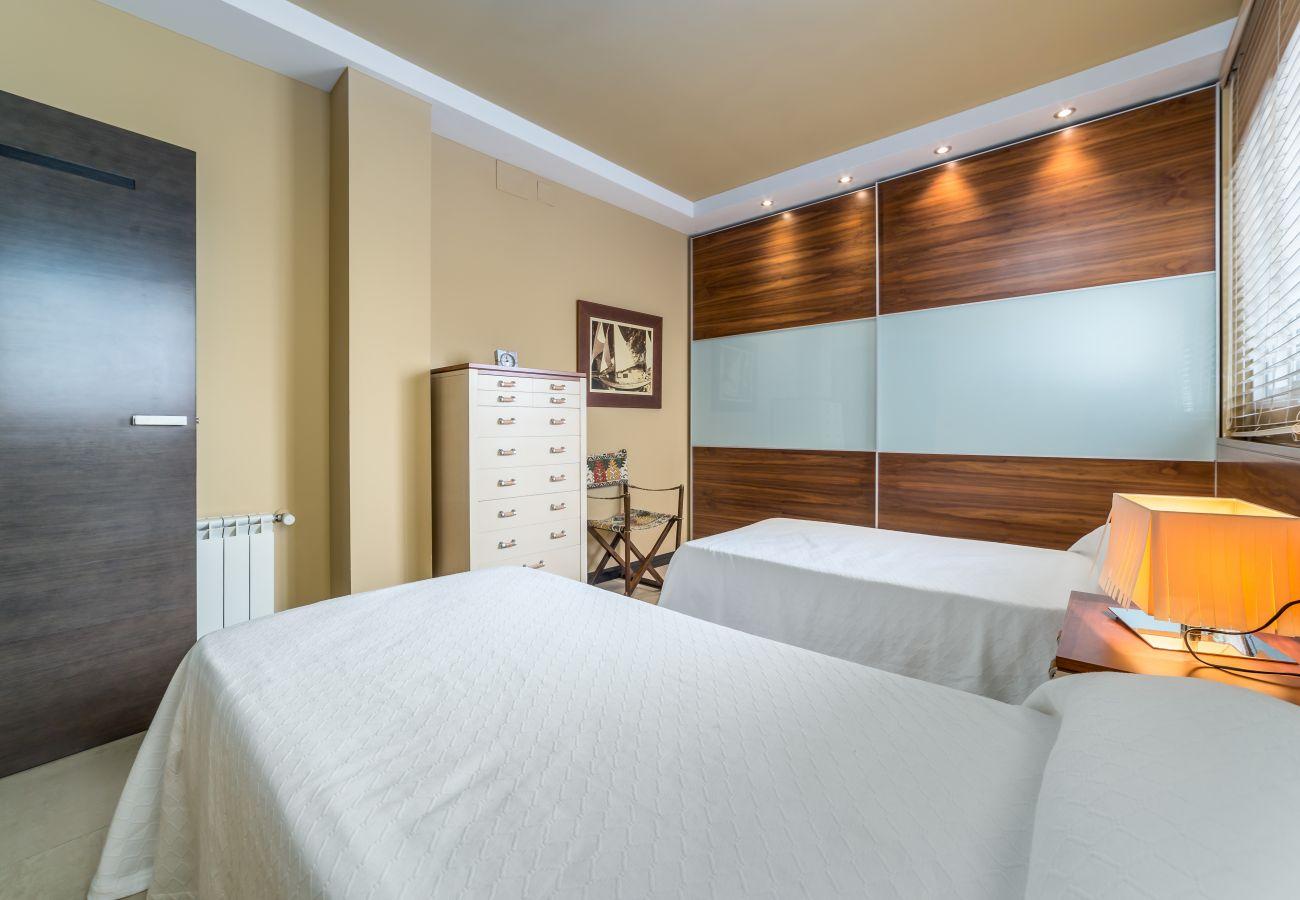 Apartment in Valencia / València - Travel Habitat ático Ciutat Vella