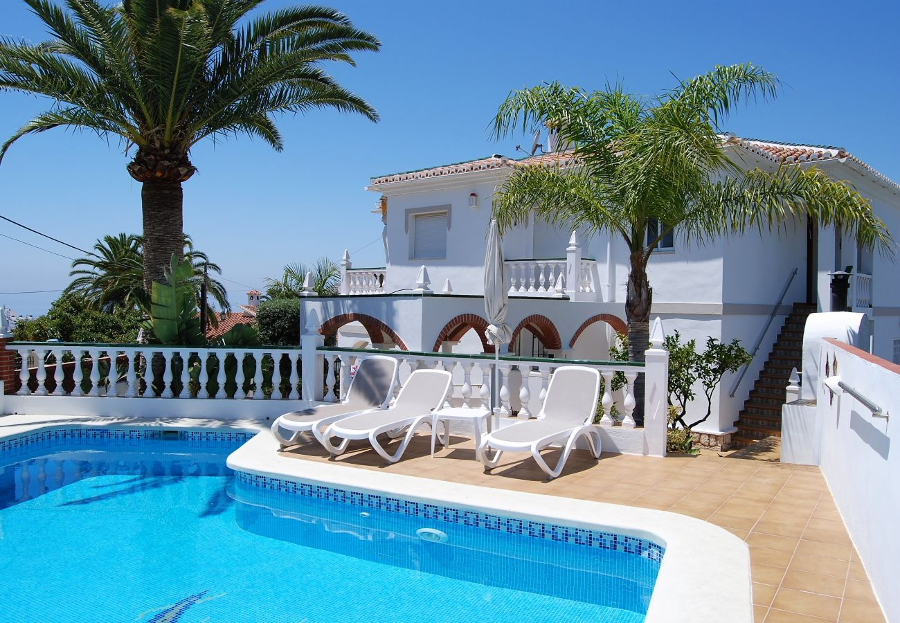 Apartment in Nerja - Apartment for 5 people to 1 km beach