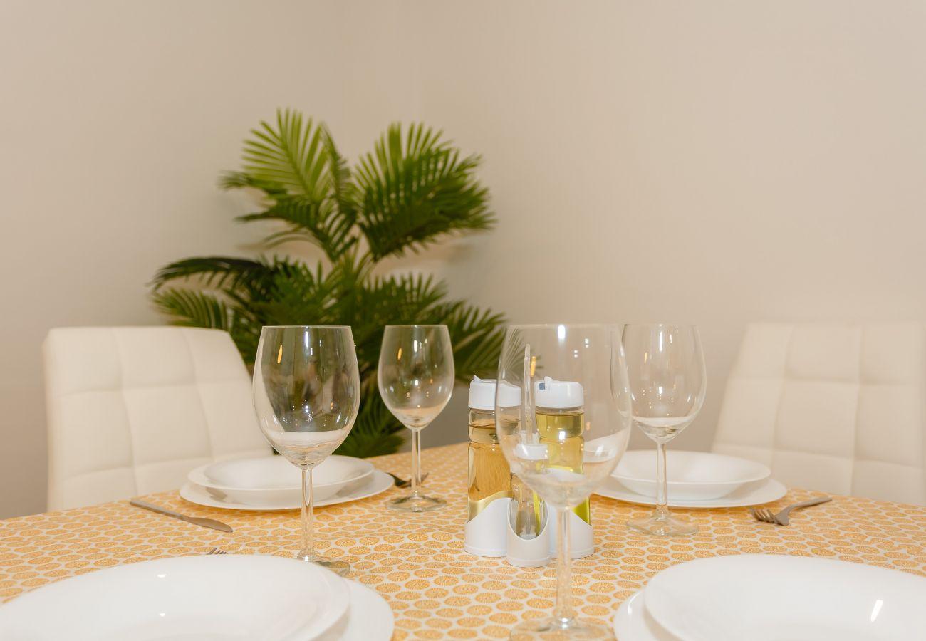 Apartment in Cádiz - Apartment for 4 people to1 kmbeach