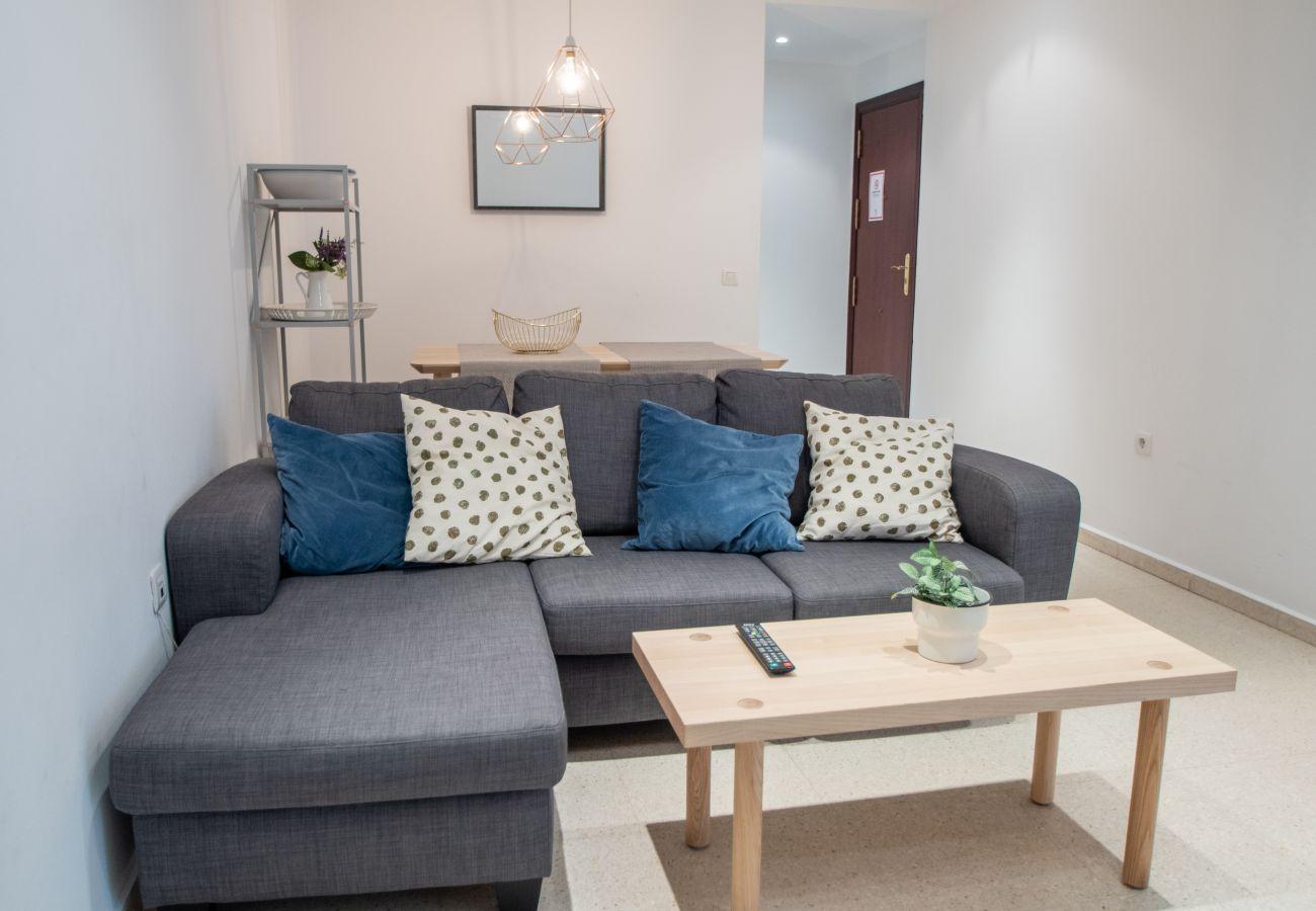 Apartment in Cádiz - Apartment of 3 bedrooms to500 mbeach