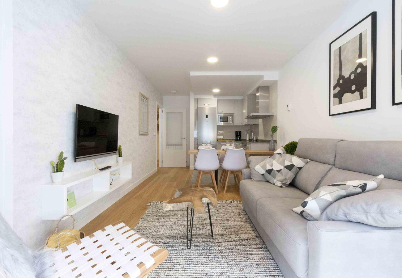 Apartment in San Sebastián - Apartment of 1 bedrooms to650 mbeach