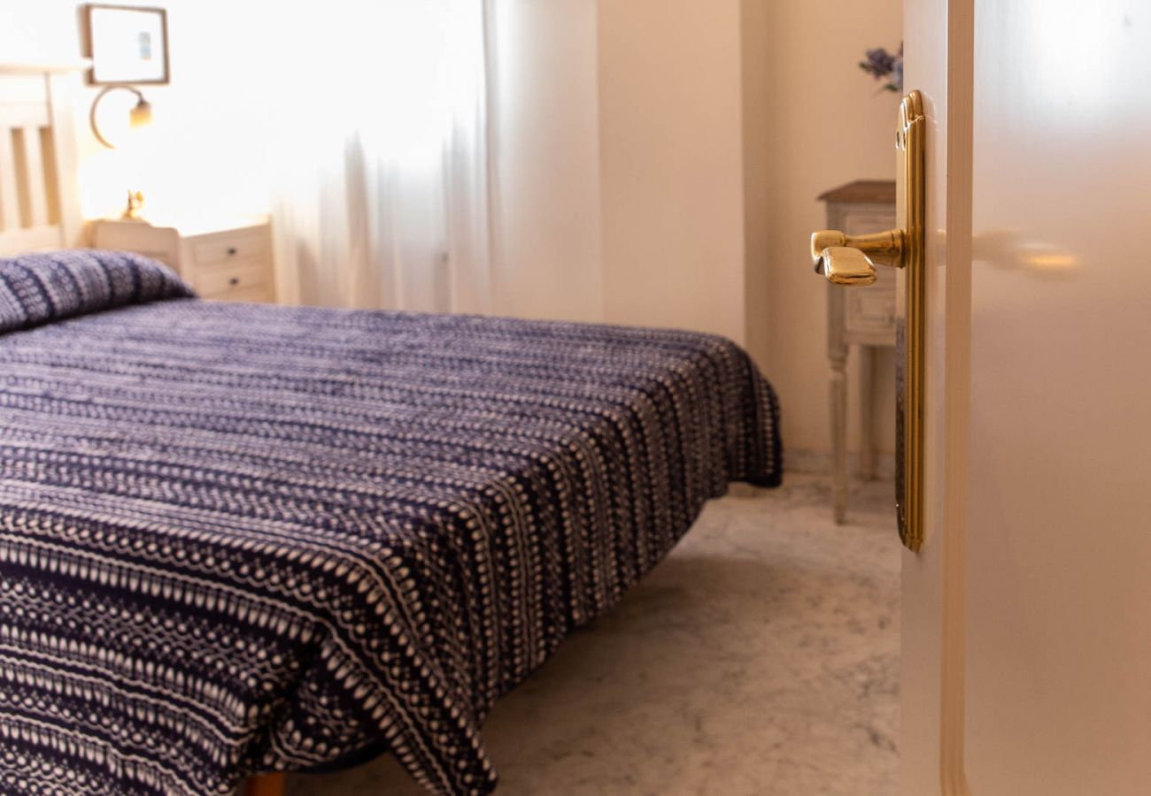Apartment in Cádiz - Apartment for 5 people to500 mbeach