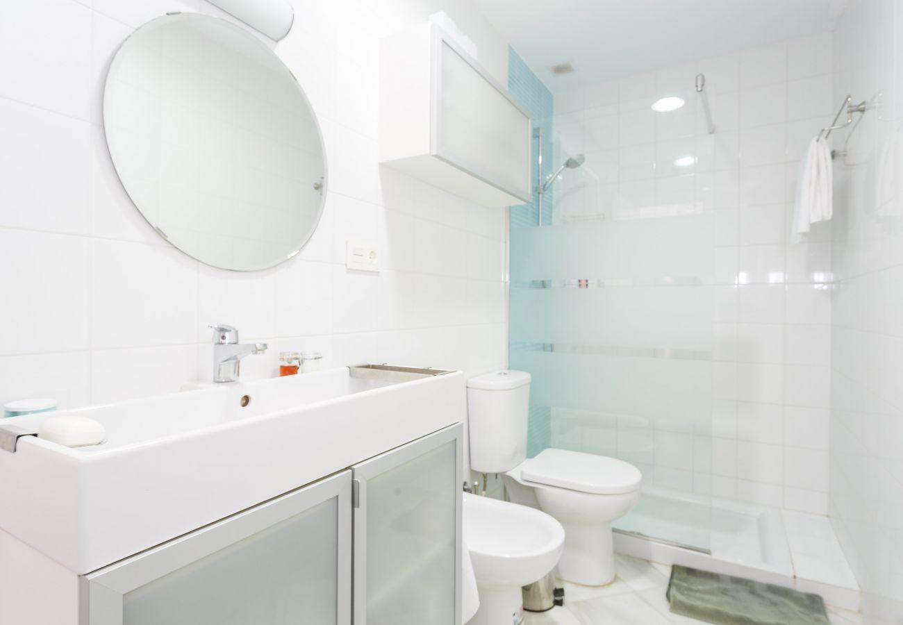Apartment in Cádiz - Apartment of 2 bedrooms to800 mbeach