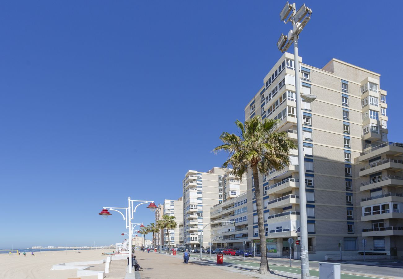 Apartment in Cádiz - Apartment of 1 bedrooms to 10 m beach