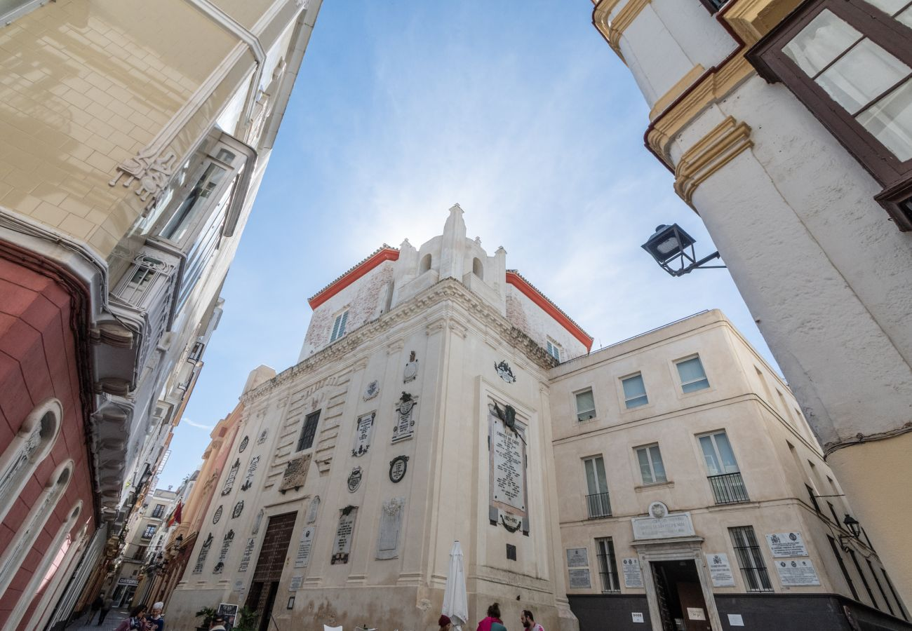 Apartment in Cádiz - Apartment for 4 people to800 mbeach