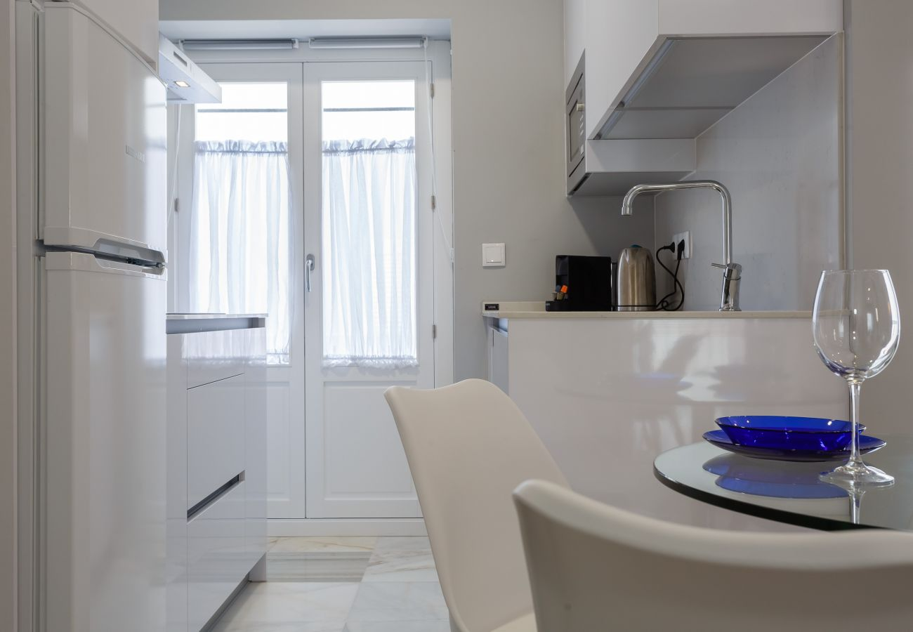 Apartment in Cádiz - Apartment for 3 people to650 mbeach
