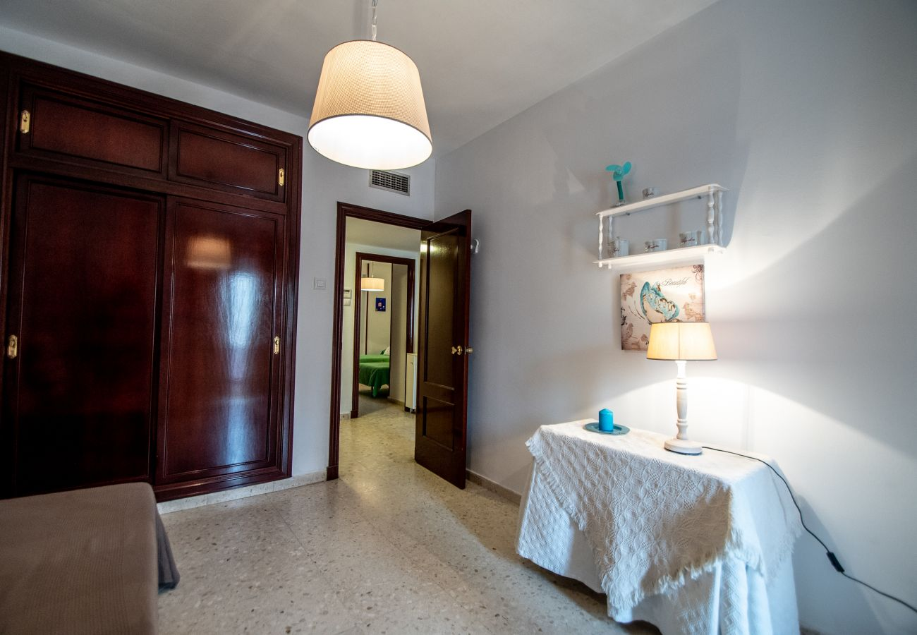 Apartment in Cádiz - Apartment for 6 people to10 mbeach