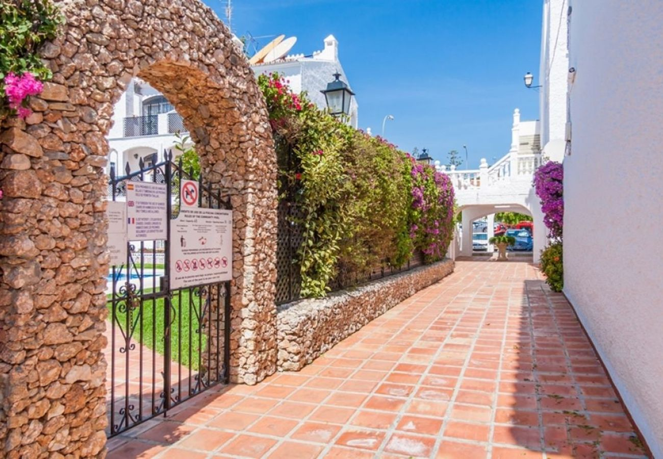 Apartment in Nerja - Apartment with swimming pool to 900 m beach