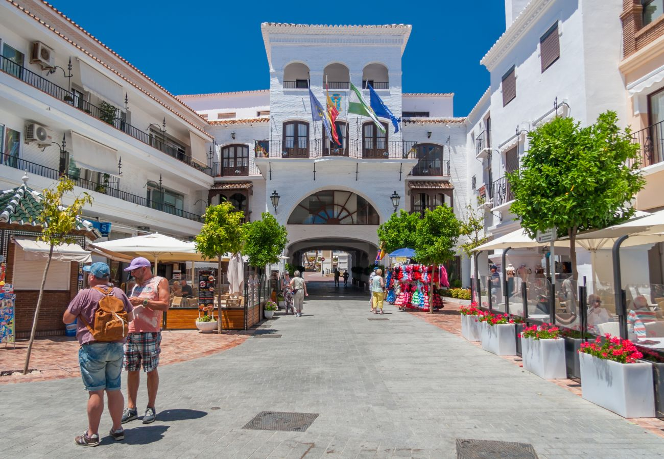 Apartment in Nerja - Apartment for 6 people to150 mbeach