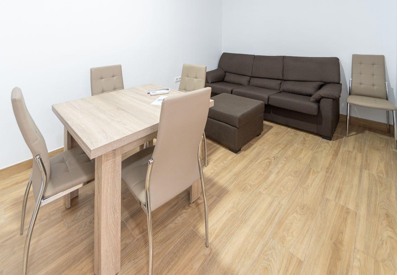 Apartment in Cádiz - Apartment of 4 bedrooms to500 mbeach