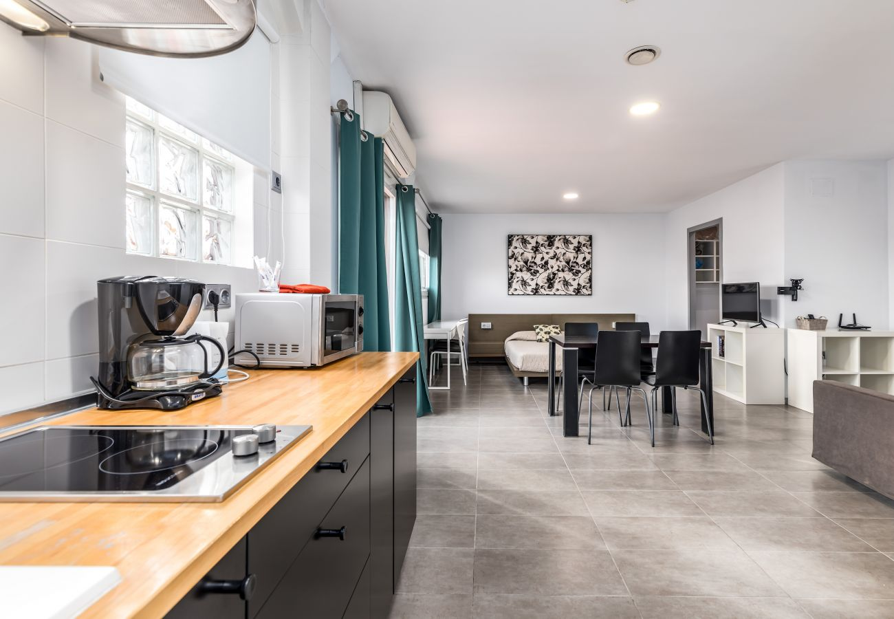 Apartment in Valencia / València - TH Marítim Ático