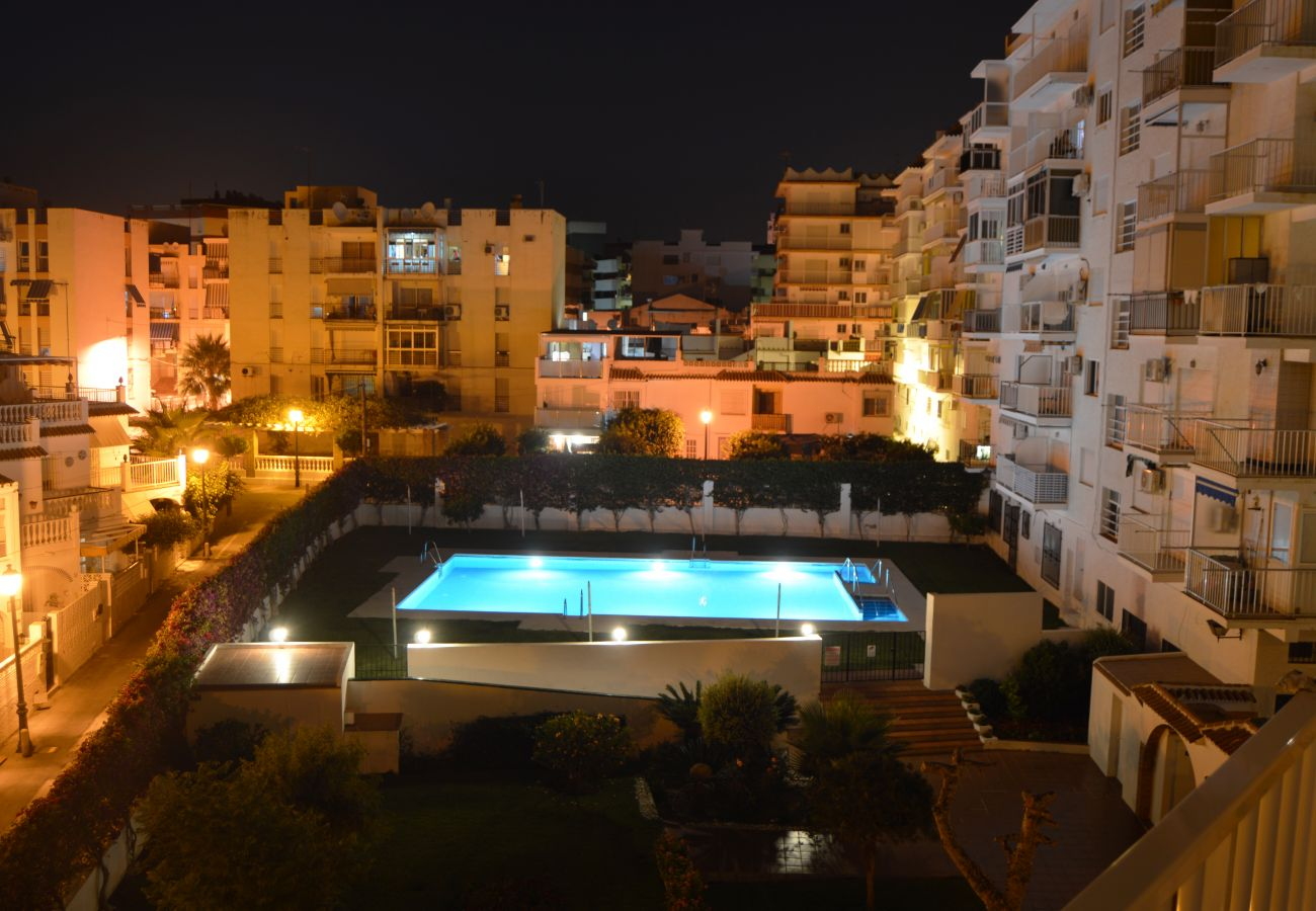 Apartment in Nerja - Apartment for 3 people to200 mbeach