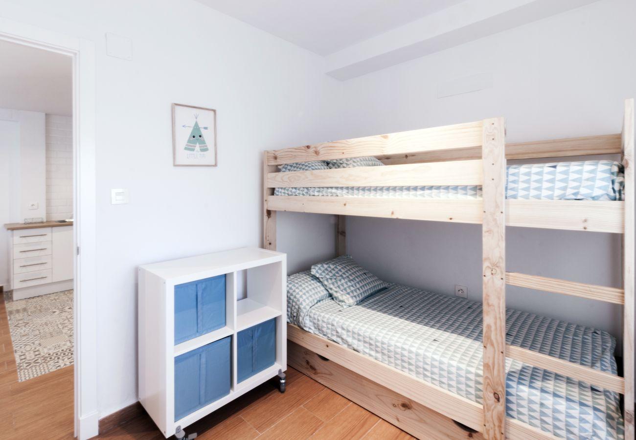Apartment in Cádiz - Apartment of 3 bedrooms to5 mbeach