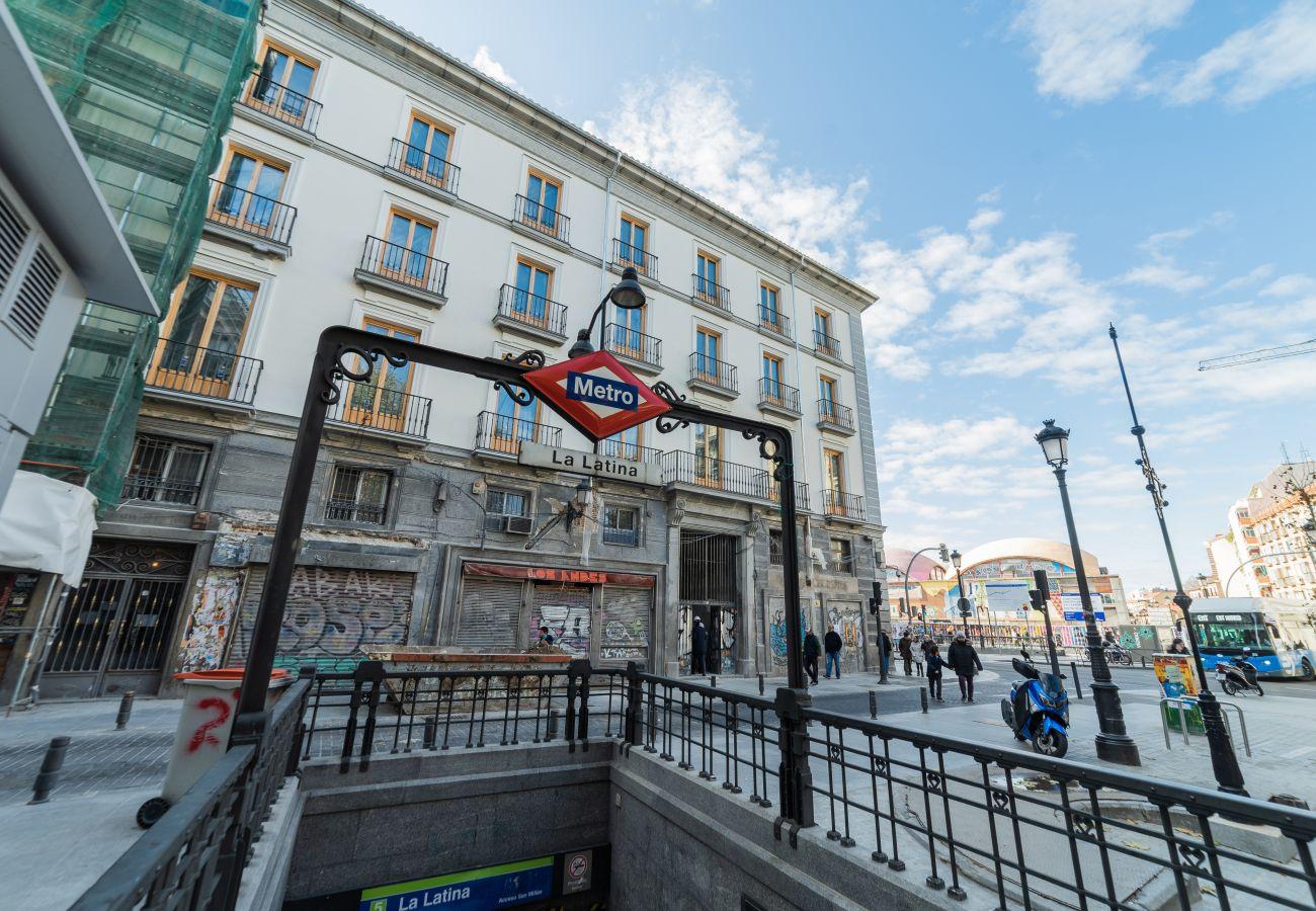 Apartment in Madrid - Mansard Madrid Downtown La Latina/Plaza Cascorro M (ECM4ºI)