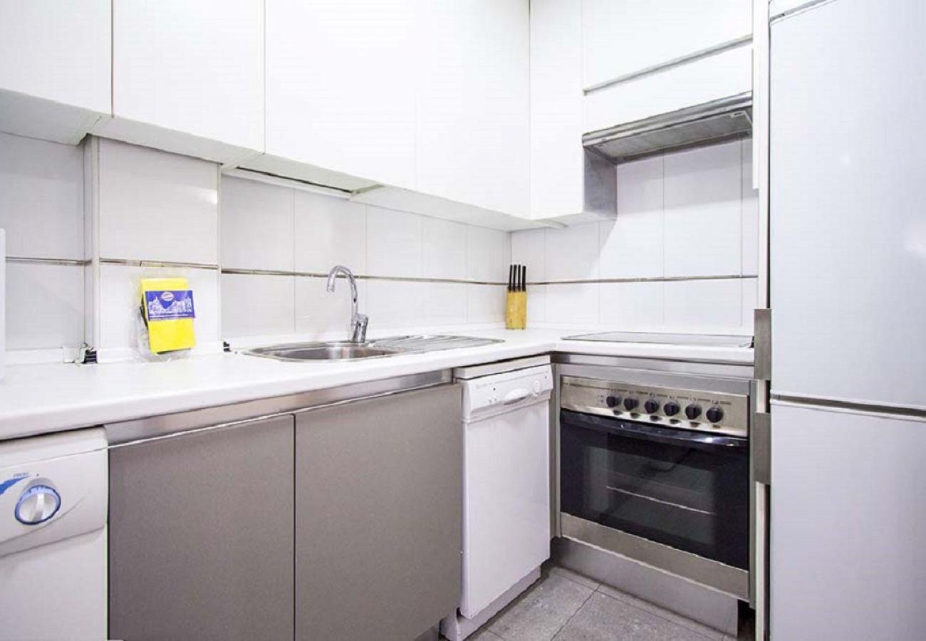 Apartment in Madrid - CITY CENTER-CHAMBERI-MALASAÑA 1 ROOM-5 PAX