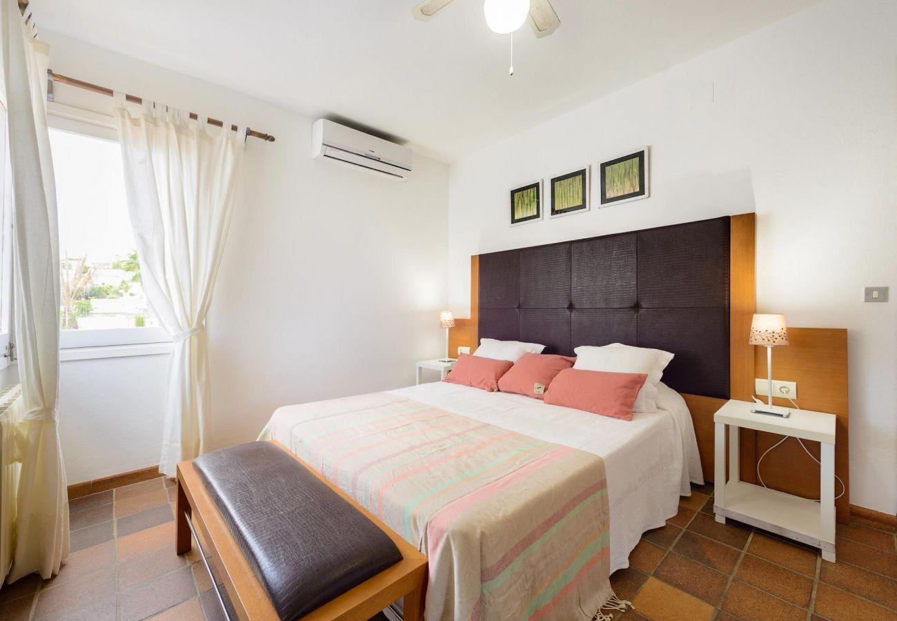 Villa à Ibiza - Villa avec 4 chambres à1 kmde la plage