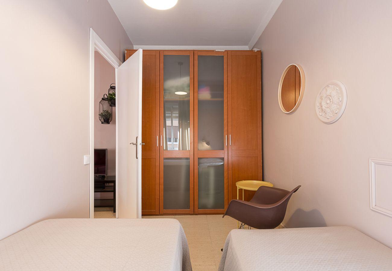 chambre avec deux lits simples à Plaza España barcelone