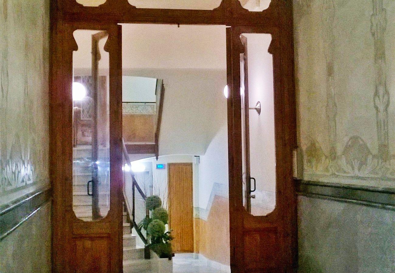 Appartement à Barcelone - Bel appartement avec grande terrasse privée, à côté du Passeig de Gracia, Barcelone centre