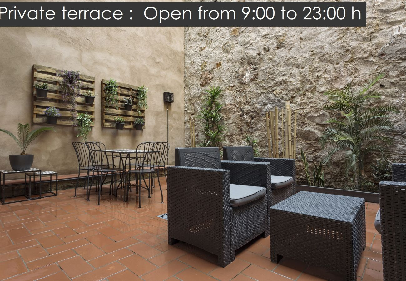 Appartement à Barcelone - Charmant, grand LOFT avec terrasse privée à louer dans le centre de Barcelone