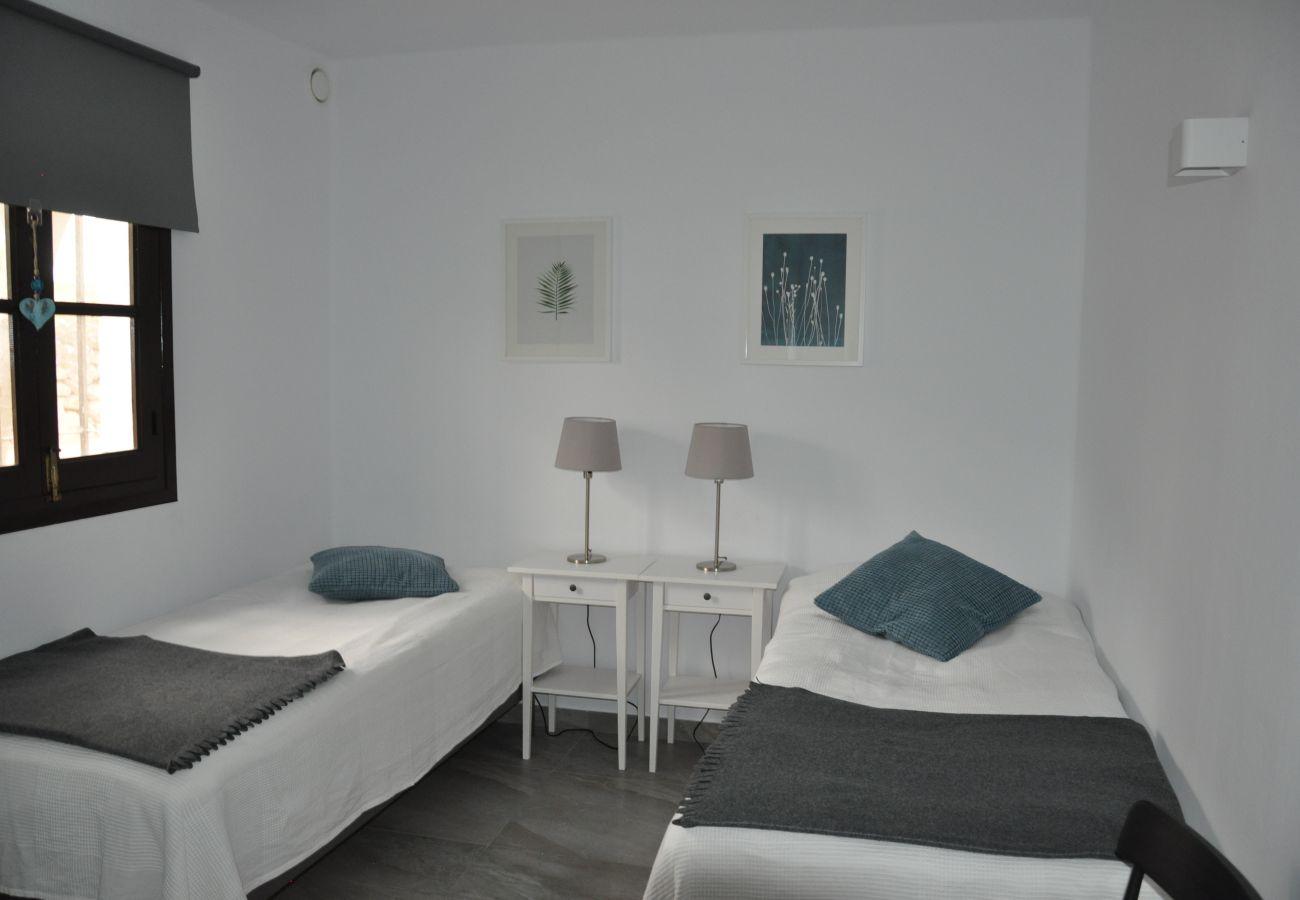 Bungalow à Nerja - Bungalow avec 2 chambres à2 kmde la plage