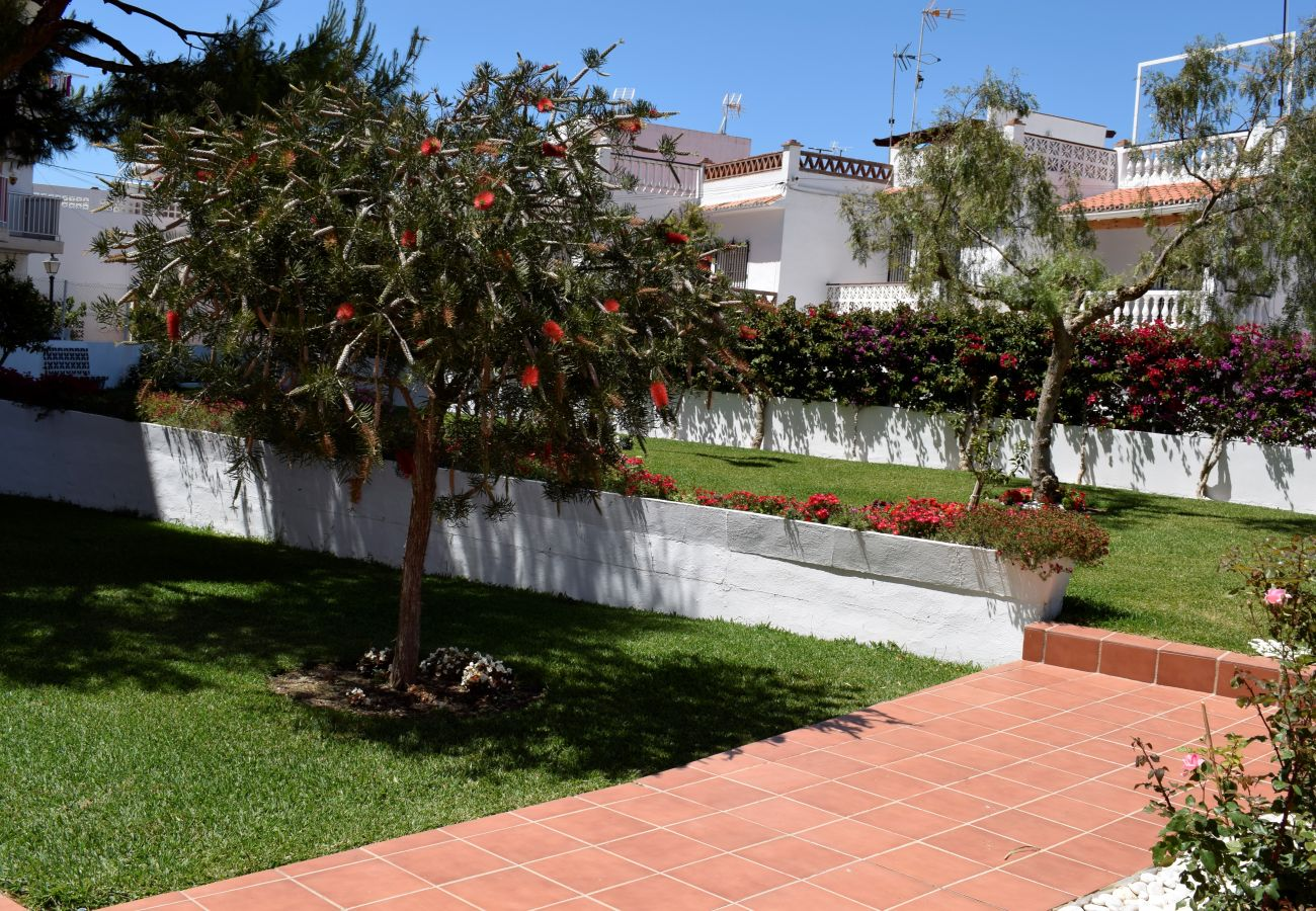 Appartement à Nerja - Appartement avec piscine à 50 m de la plage