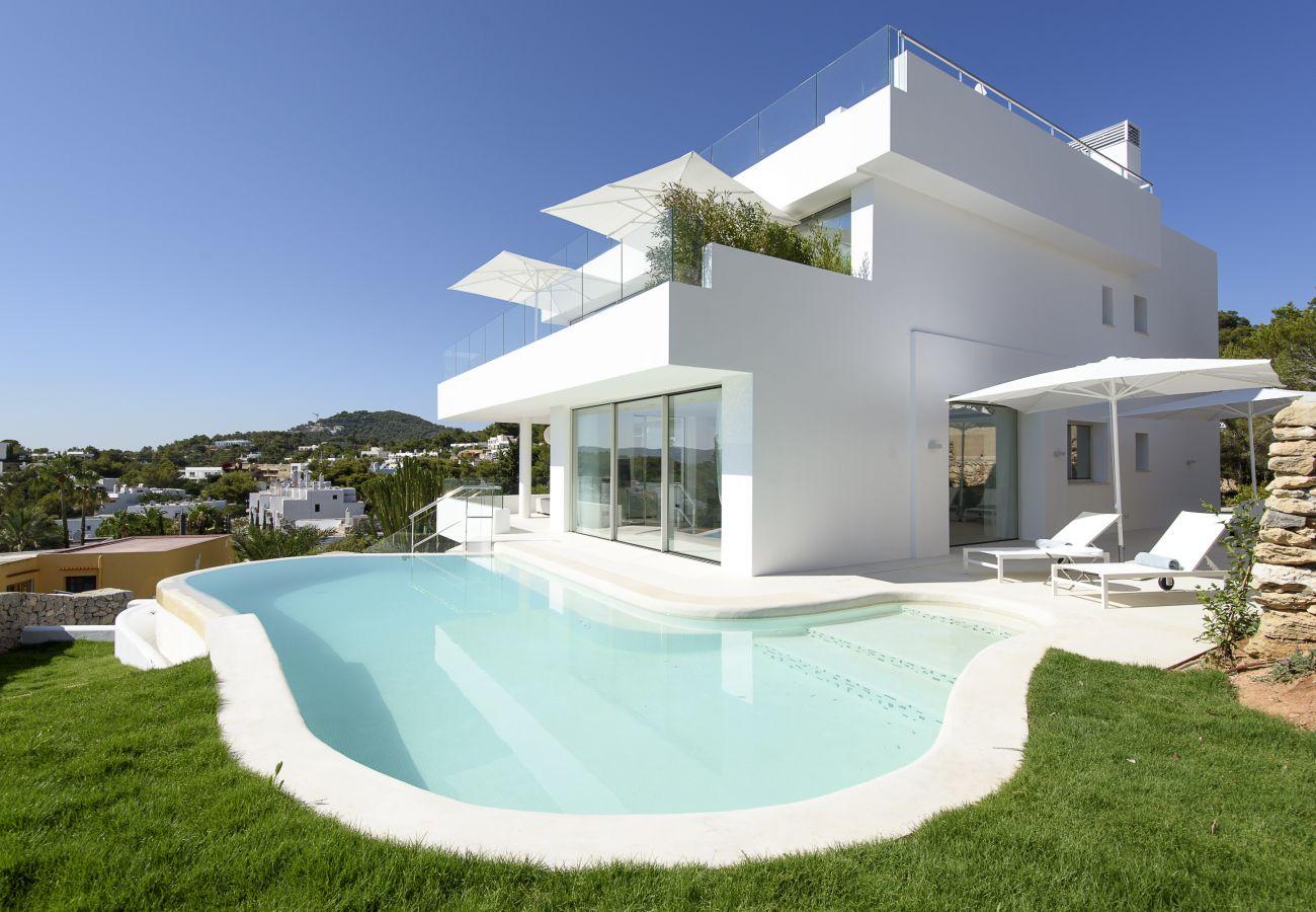Villa à Ibiza - Villa avec piscine à900 mde la plage