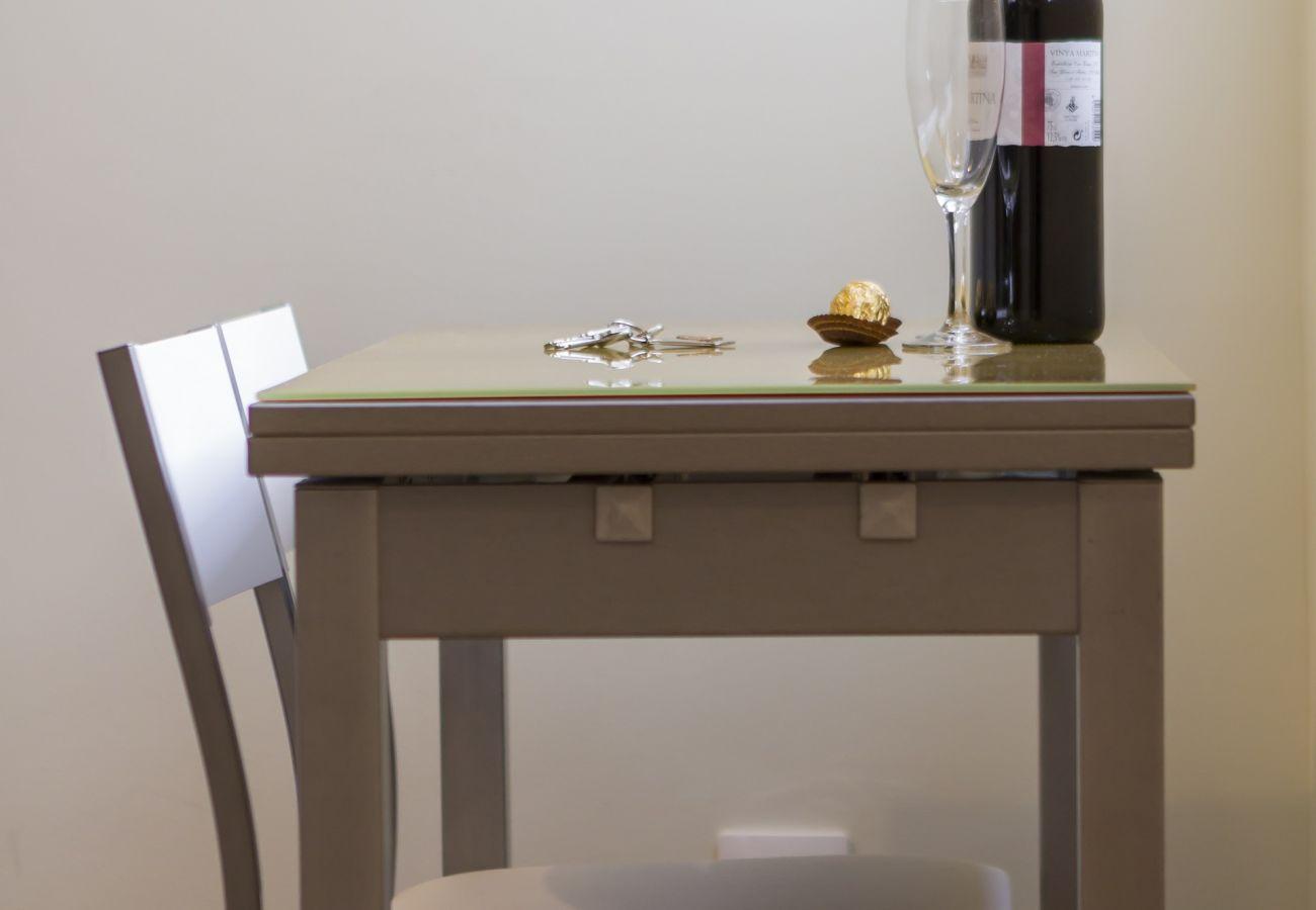 Appartement à Madrid - Apartment Downtown Madrid Chueca-Malasaña- 1 ROOM 4 PAX
