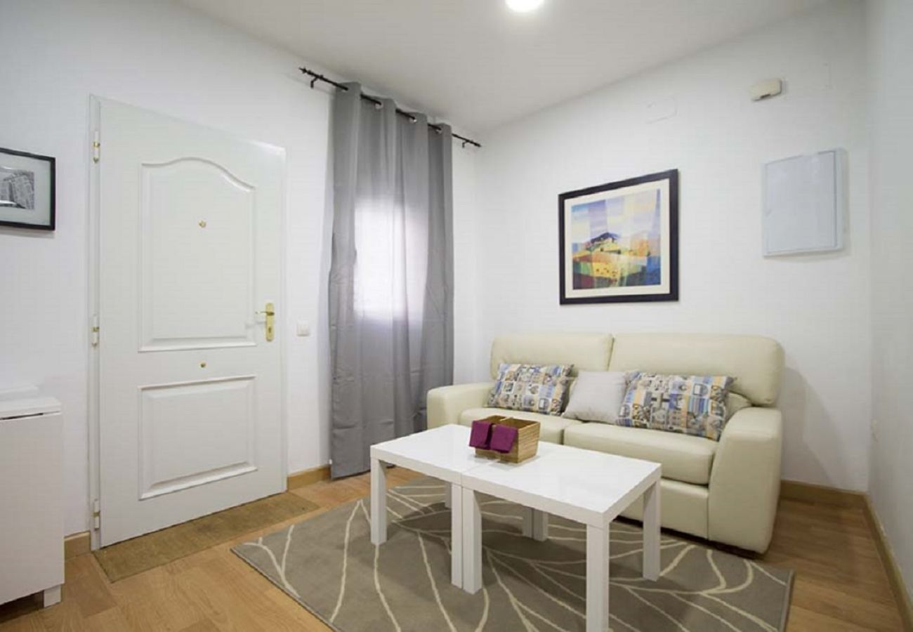Appartement à Madrid - CUATRO CAMINOS 01
