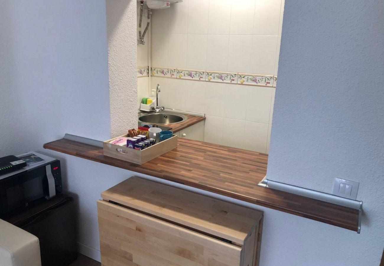 Appartement à Madrid - COZY APARTMENT-LAVAPIES- MADRID CITY CENTER
